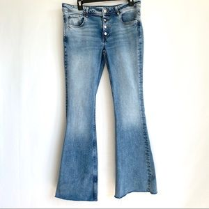 Zara Jeans Flared Hem with Exposed Buttons Size 8